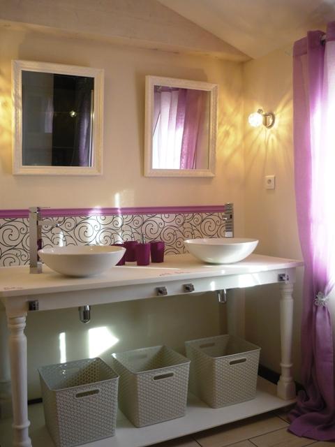 La salle de bain de l`étage